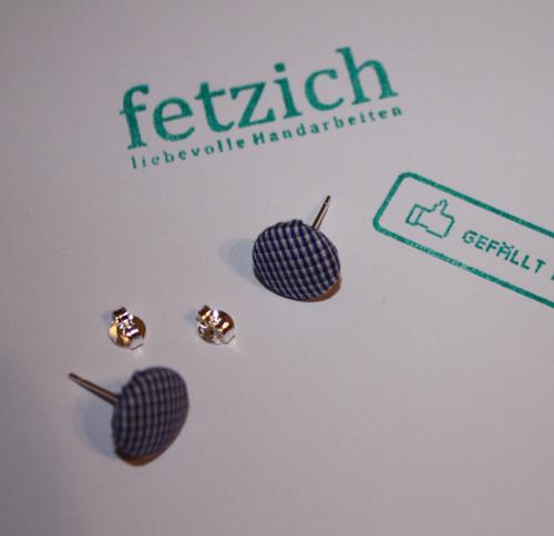 ohrring blaukariert - Ohrringe selber machen mit Knopf und Stoff