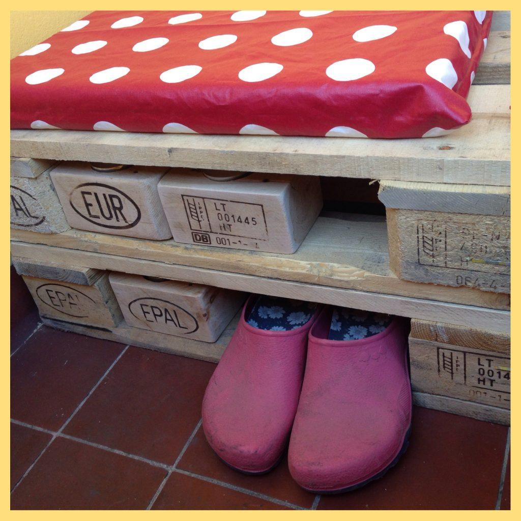 sch nes aus paletten teelicht halter und balkonm bel. Black Bedroom Furniture Sets. Home Design Ideas