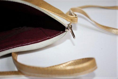 Goldene Handtasche 4 500x334 - Silberne Handtasche für den Abend