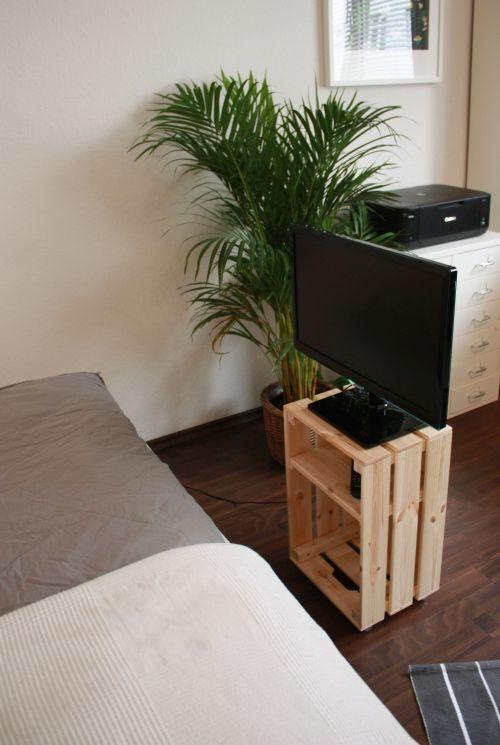 Fernsehmöbel4 - Aufbewahrung aus Weinkisten selber bauen