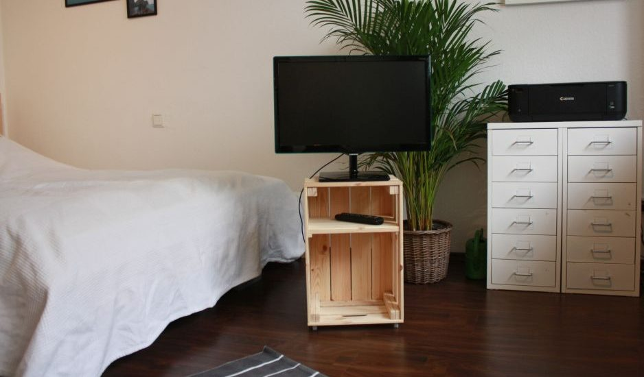 aufbewahrung aus weinkisten selber bauen fetzich. Black Bedroom Furniture Sets. Home Design Ideas