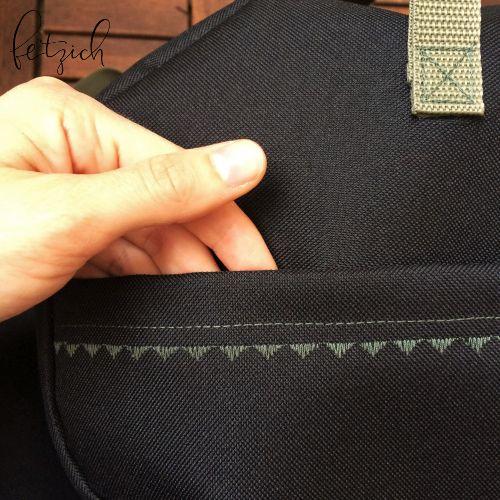 Weekender Seitentasche mit Ziernaht