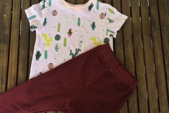 Kinder-T-Shirt und Leggins