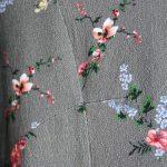 Tailliertes Burda Blusenshirt mit V-Ausschnitt