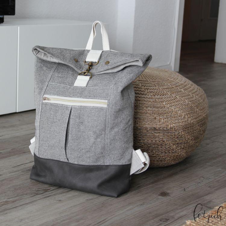 Rucksack Range Backpack mit Boden aus Kunstleder