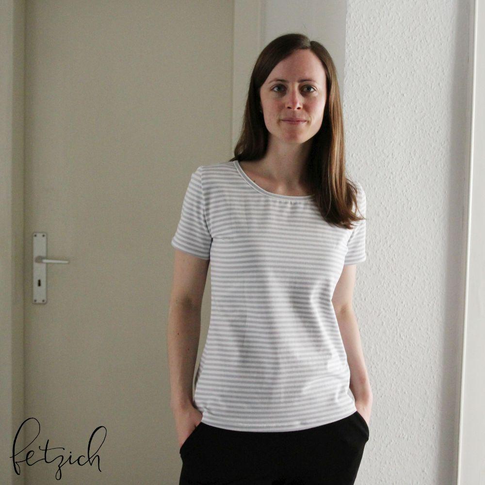hellgrau-weiß gestreiftes Basic Shirt